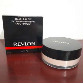 Revlon touch & glow extra moisturizing face powder