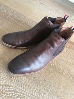 Double oak mills Chelsea boots