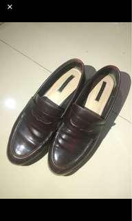Zara loafers mirip docmart
