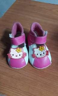 Sepatu bayi prewalker shoes hello kitty pink