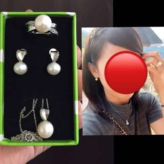Authentic Fresh Water PEARL Set 14k White Gold with diamonds