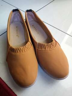 Flat Shoes New Preloved