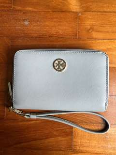 Tory burch wallet (good condition)