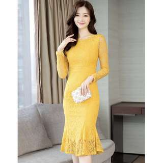 Free postage NEW women lace dinner dress (L)