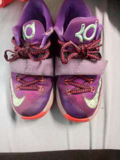 Authentic childrens Nike's KDs size US 13 or 31