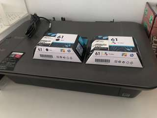 🚚 HP Deskjet 1050 Printer with INK