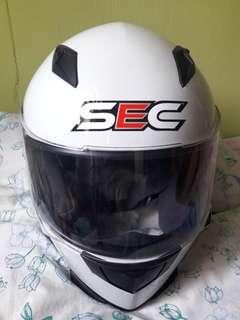 SEC MOTORCYCLE HELMET LARGE