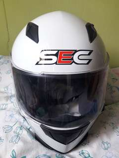 SEC MOTORCYCLE HELMET LARGE