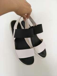 百搭鬆緊涼鞋