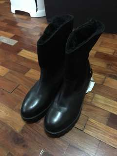 Unused calf/sude leather mid-calf boots