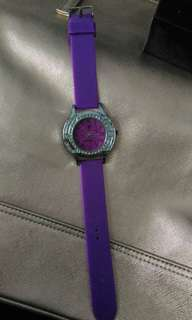 Jam tangan ungu formil