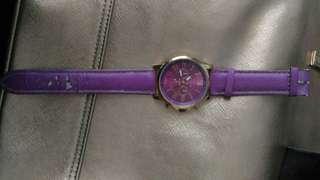 Jam tangan ungu gaya