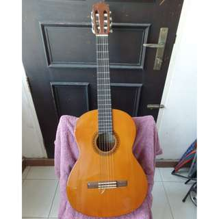 Rare made in Taiwan Yamaha CG-111S Classical Guitar, Used, great for beginner