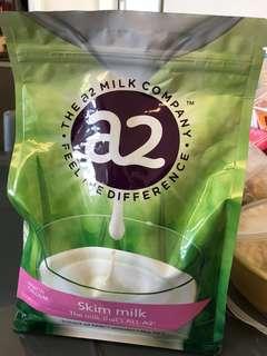 全新 a2 Skim Milk 1kg 成人高鈣脫脂奶粉