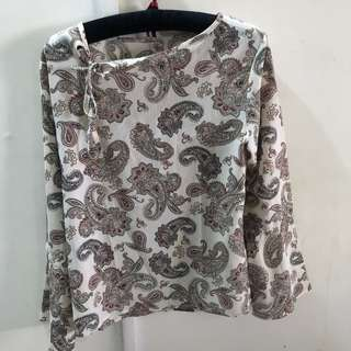 Flared blouse floral