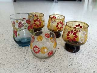 set of 5 colored vintage glasses