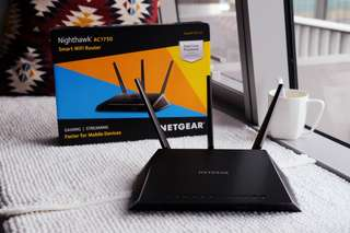 Netgear Nighthawk AC1750 R6700 Smart WiFi Router