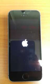 iphone 5s carrier locked. No charger