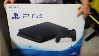 Fast deal!!! PS4 HDR 500GB (with 2 controller & Fifa18)