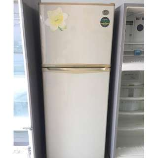 LG Fridge 2Door Peti ais white