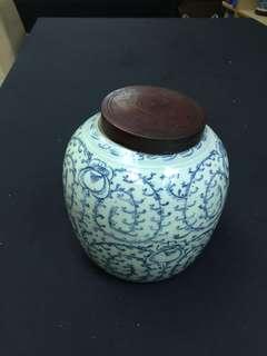 古董 清道光青花茜草纹罐 带木蓋