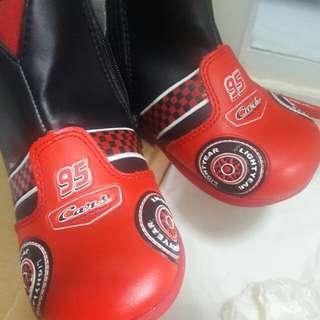 Sepatu bayi boots disney