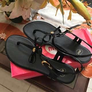 Melissa sandals in black