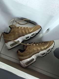 Nike Air Max 95 Gold Metallic