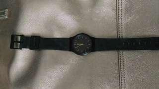 Preloved jam tangan hitam Q&Q