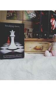 BREAKING DAWN (Twilight Series) by Stephanie Meyer