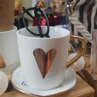 🚚 Gold Rim Ceramic Mugs