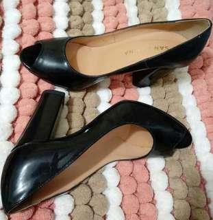 4-inch Black Italian Patent Peep-toe heels
