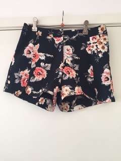 Floral high waisted shorts, size 10
