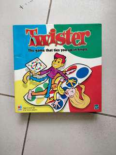 TWISTER GAMEBOARD