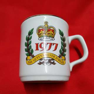Mug the queens silver jubilee 1977