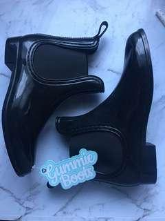 Black Gummie Boots - Size 7