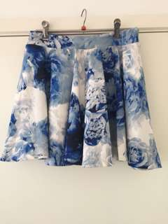 Blue floral skirt, size 8