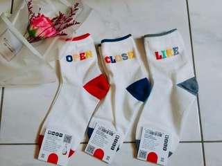 🚚 韓國正品  可愛英文造型中筒襪🆕