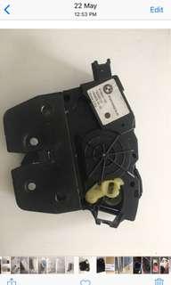 Bmw boot lock
