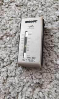 SONY SRF-S84 AM/FM 超靚聲音馬迷你球迷收音機