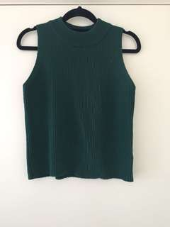 Emerald green knitted cropped singlet