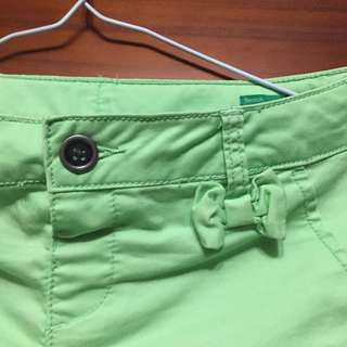 班尼頓短褲