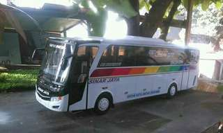 Miniatur bus Indonesia po.sinar jaya