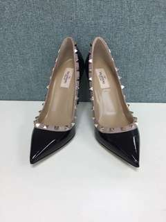 Valentino Black Patent rock studs pumps Sz 37.5