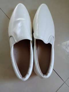 Vintage white shoes