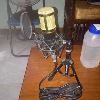 Studio Microphone with Stand