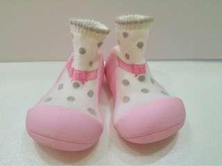 🚚 9成5新 韓國attipas快樂腳 鞋襪型學步鞋