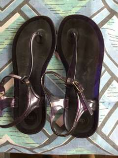 Gap Purple Jelly Thong Slippers - Size 8 *perfect for rainy days*