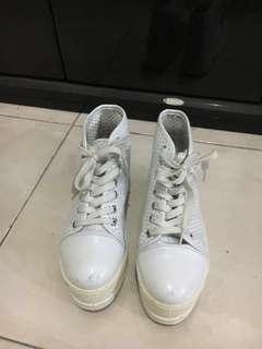 SALE!!! NO BRAND White sneaker boot