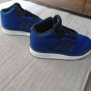 Adidas Toddler Euc like new